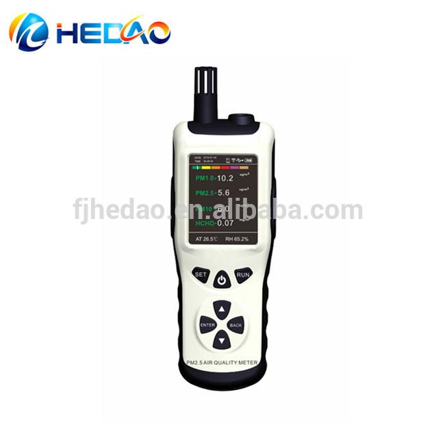 Testing air quality PM1.0/PM2.5/PM10 pm2.5 detector
